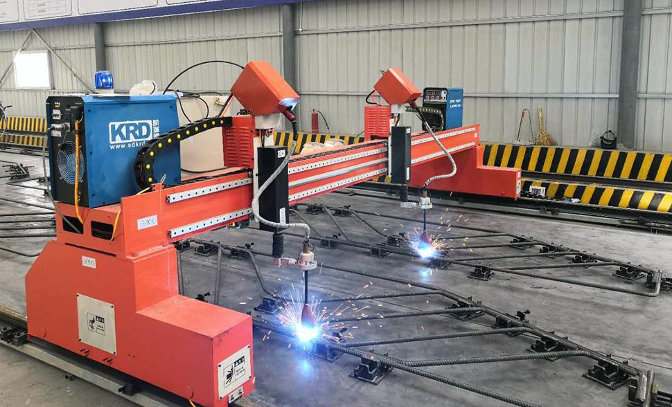 盖梁骨架片焊接机器人